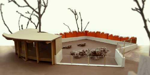 Entwurfsmodell für das Stachelschweinhaus mit Umzäunung, Gehege und Kunstfelsen, (link: http://www.zoo-hof.de/ text: Zoo Hof)