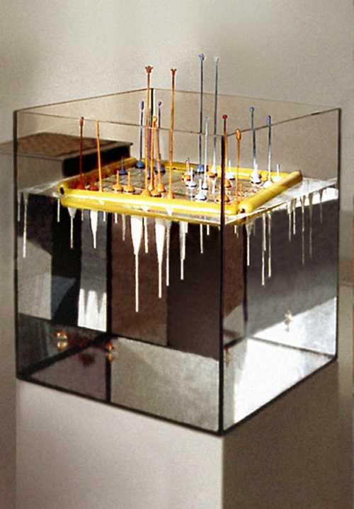 Wasserfestes Schachspiel - für die Badewanne oder den Ausflug zum See;  gedrechseltes Lindenholz, farbig lackiert, Schwimmer-Figuren zwischen 100 und 400 mm,